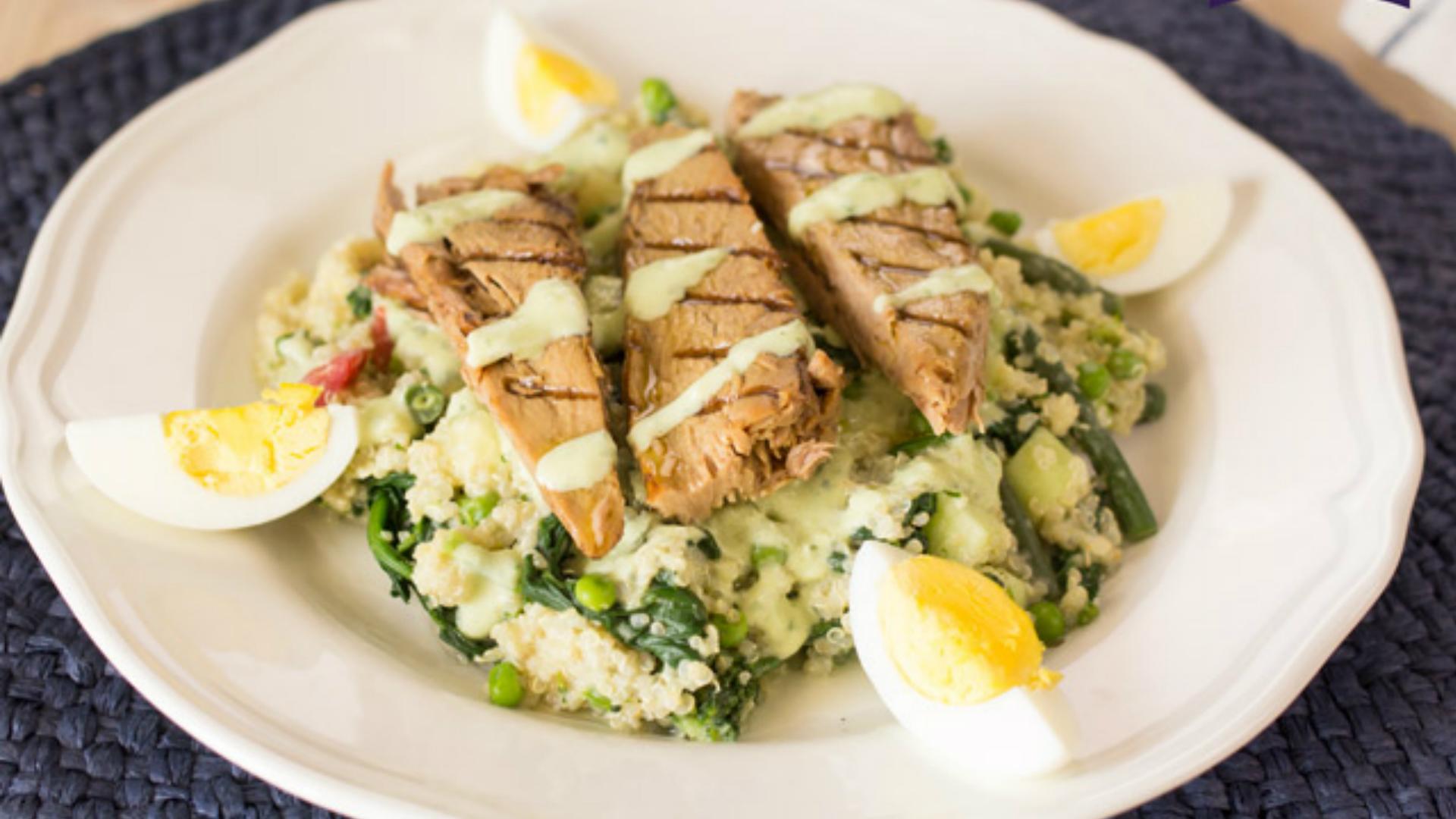Quinoa con verduras y Lomos de Atún al Grill